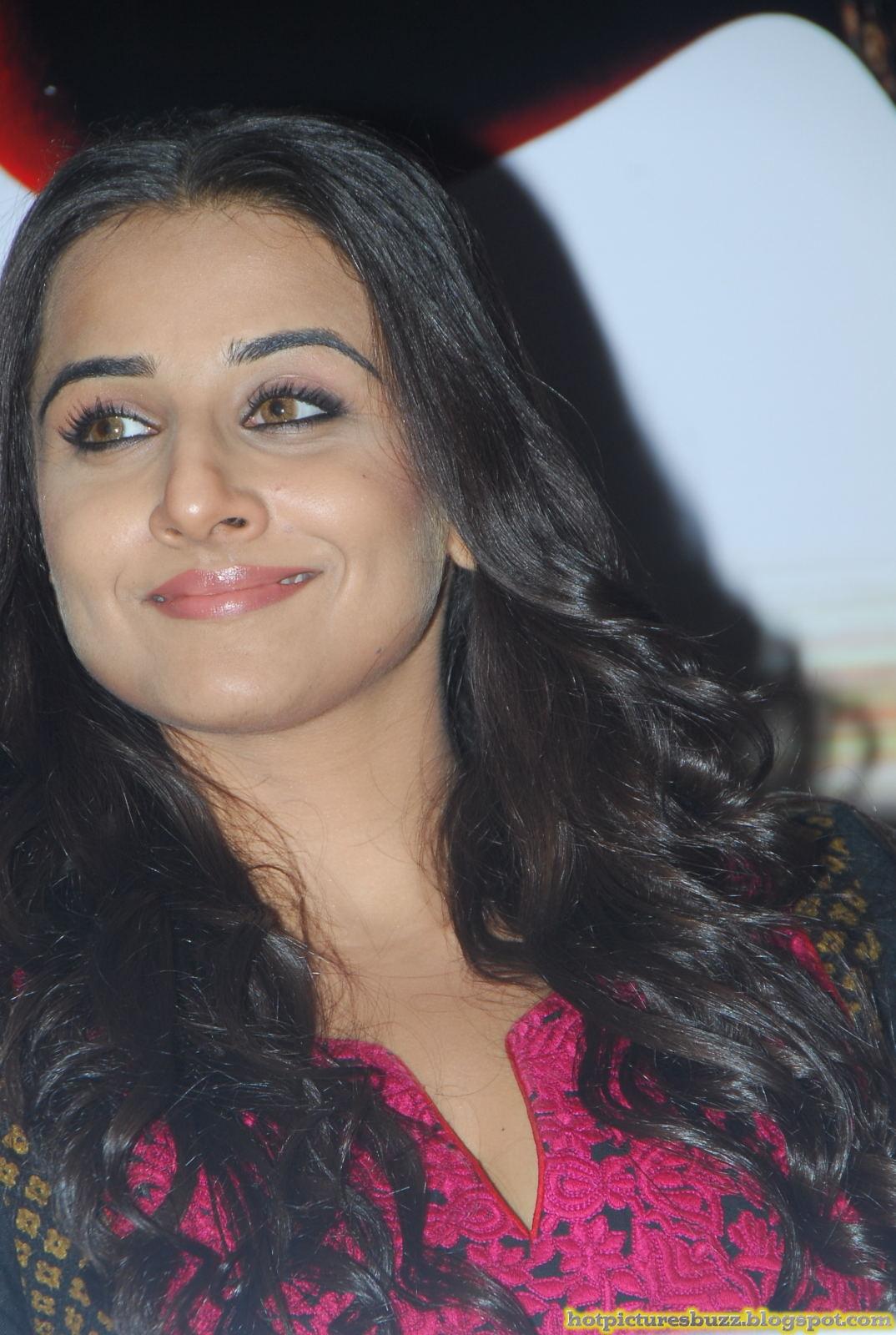 Bollywood Actress Vidyabalan Hot Stills  Hot Pictures Of -4222