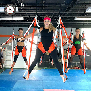 acro acrobatic yoga acrobatico