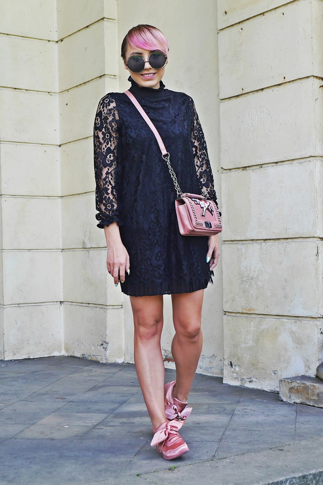 renee_shoes_pink_lace_dress_embroidery_bag_karyn_blog_modowy_150817d