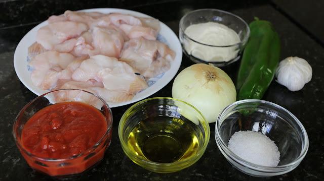 Ingredientes para cazón con tomate