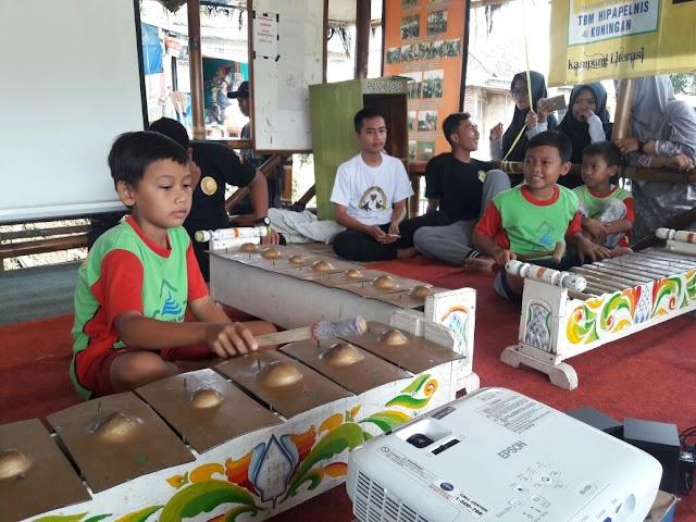 Tak Hanya Membaca, di Kampung Literasi Anak-anak Dibekali Pelatihan Seni Budaya