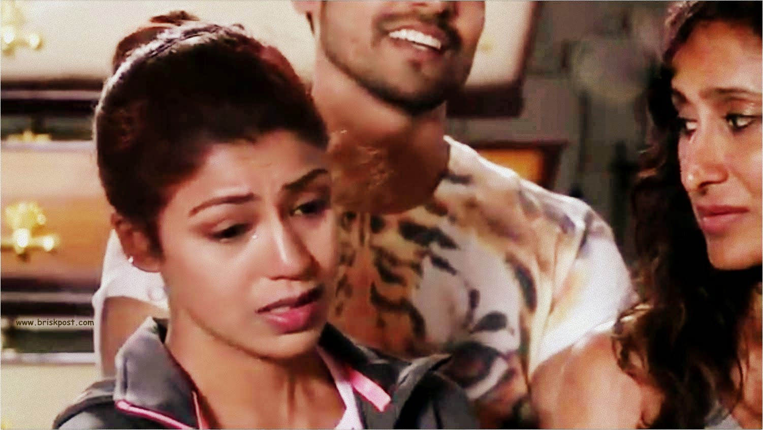 Khatron Ke Khiladi Debina crying after seeing other contestants with Cockroaches, crickets, earthworms and insects during a stunt