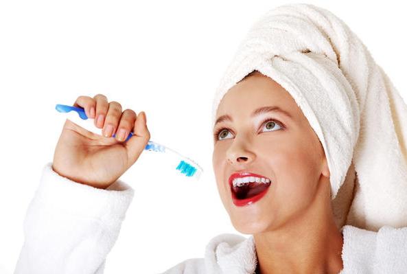 7 Cara Menjaga Kesehatan Gigi dan Mulut Selama Puasa