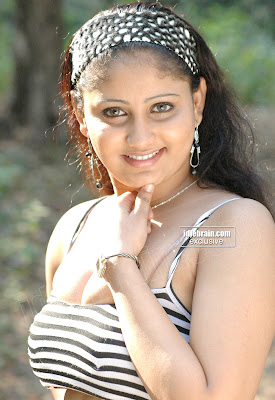 South Indian Hot Girl Showing Her Body