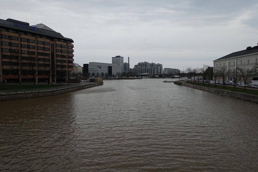 ハカニエミ港(Hakamiemi)
