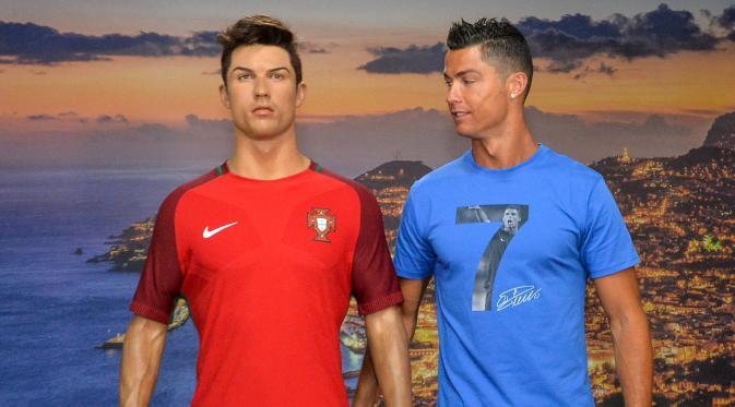Berkunjung ke Museum CR7, Cristiano Ronaldo Bertemu Kembaran