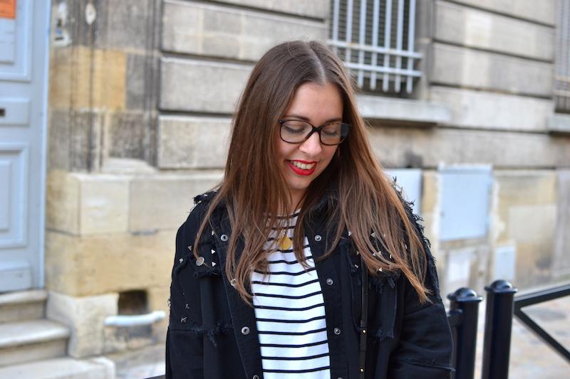mariniére H&M, veste en jean noir clouté Shein, jean boyfriend H&M