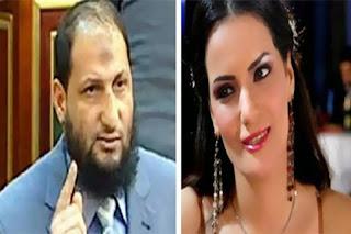 """قررت الراقصة المصرية سما المصري أن ترتدي الحجاب وتبيع قناة """"فلول"""""""