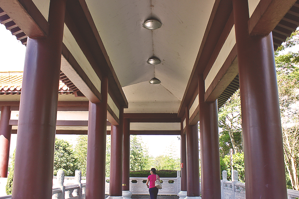 corredores templo budista zu lai