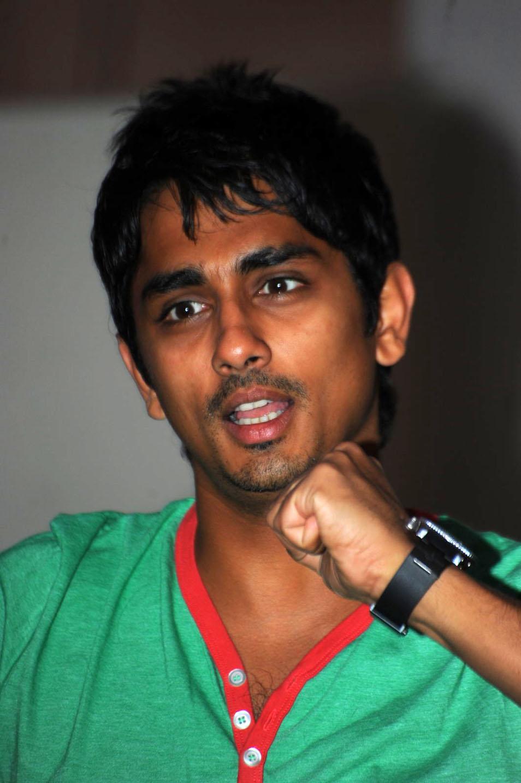 Actor Siddharth takes a dig at Nayantharas silence