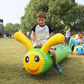 Inflatable Caterpillar pipe-- Bouncing frog
