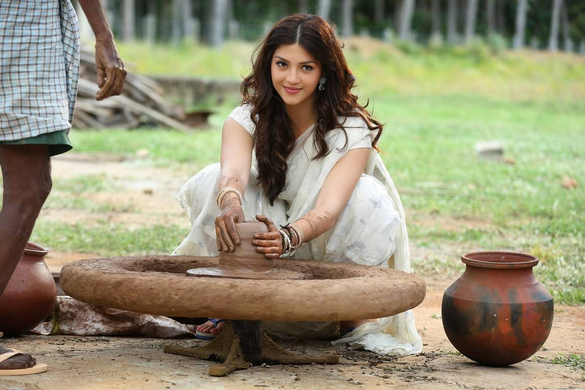 Sharwanand-Mahanubhavudu Telugu Movie Stills