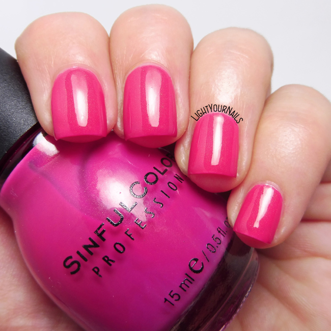Smalto rosa Sinful Colors Cream Pink pink nail polish
