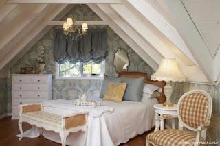 fehér padlásszoba