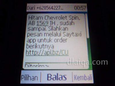 sms yang berisi informasi taksi pesanan dan taksi sudah sampai di tempat kita