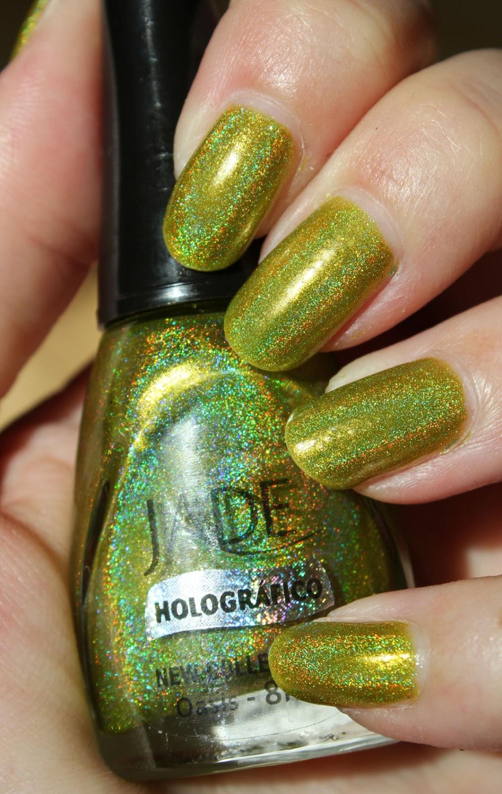 http://lacquediction.blogspot.de/2014/12/jade-holografico-oasis.html