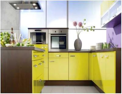 dapur minimalis ukuran 2x2 warna kuning
