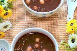 Red Bean Paste with Lily Bulb and Lotus Seeds