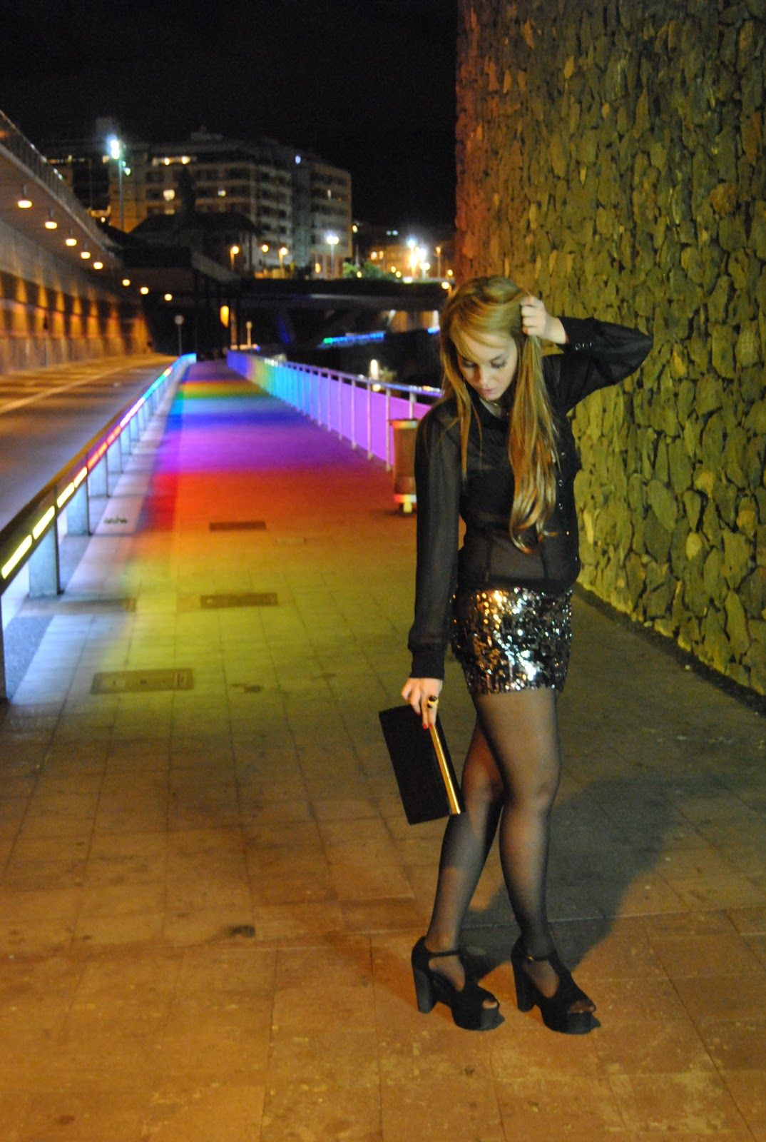 nery hdez, sequins, falda de lentejuelas, jeffrey campbell shoes