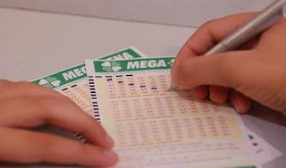 PRÊMIO DE R$ 225 mi: Apostas na Mega-Sena da Virada movimentam lotéricas