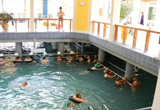 купание в озере  Хевиз – это лечебная процедура