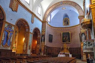 Interior de la Iglesia románica de Gordes.