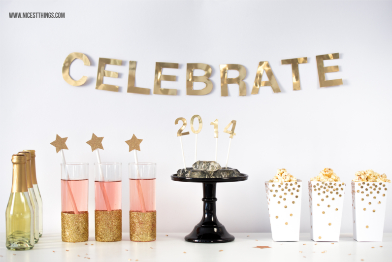 Silvester Sweet Table Silvester Party Buffet Silvester DIY Deko Ideen #silvester #diy #deko #silvesterdiy #silvesterdeko #silvesterbuffet #sweettable