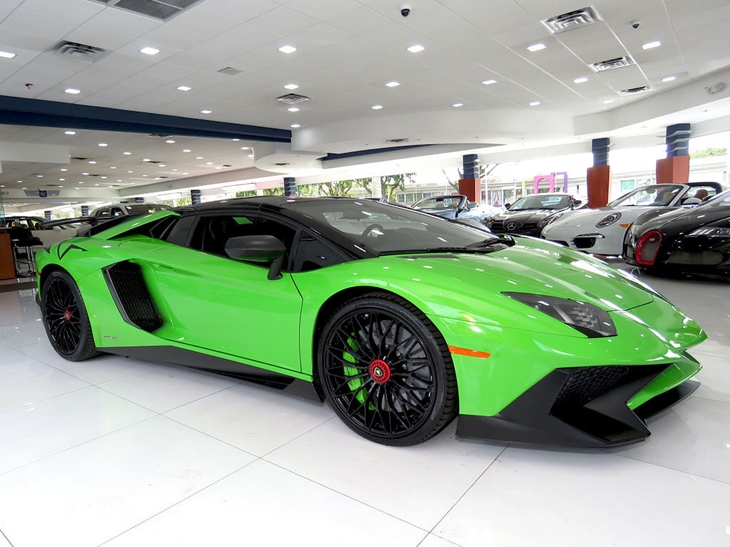 out of this world verde mantis lamborghini aventador sv could be yours carscoops. Black Bedroom Furniture Sets. Home Design Ideas