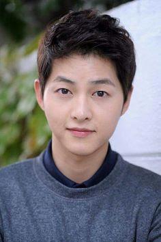 Biodata Song Joong Ki  berperan sebagai Yoo Shi Jin