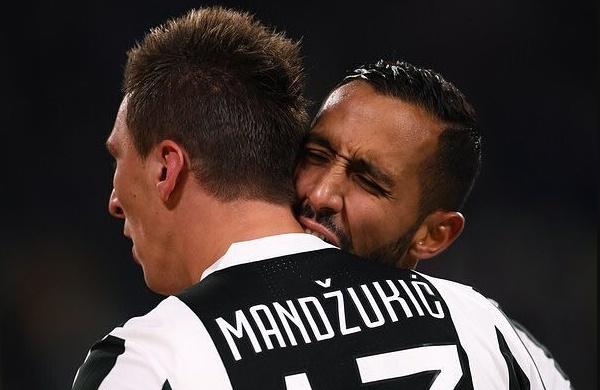 JUVENTUS-INTER: Risultato da partita di scacchi, traversa Mandzukic, Dybala gioca il finale del Derby d'Italia | Calcio Serie A