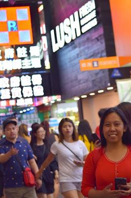 Girl Travel in Mong Kok