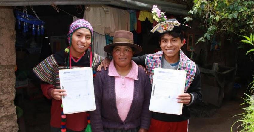 PRONABEC: Gemelos de Huancavelica obtienen becas y estudiarán en universidades de Lima - www.pronabec.gob.pe