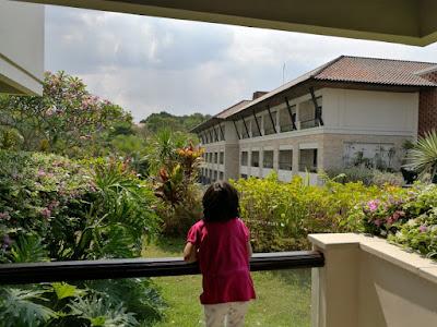 menginap di the singhasari resort