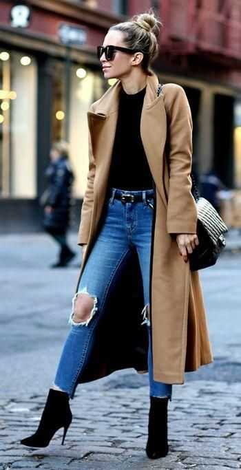 fashion trends_black boots + skinnies + bag + nude coat + top