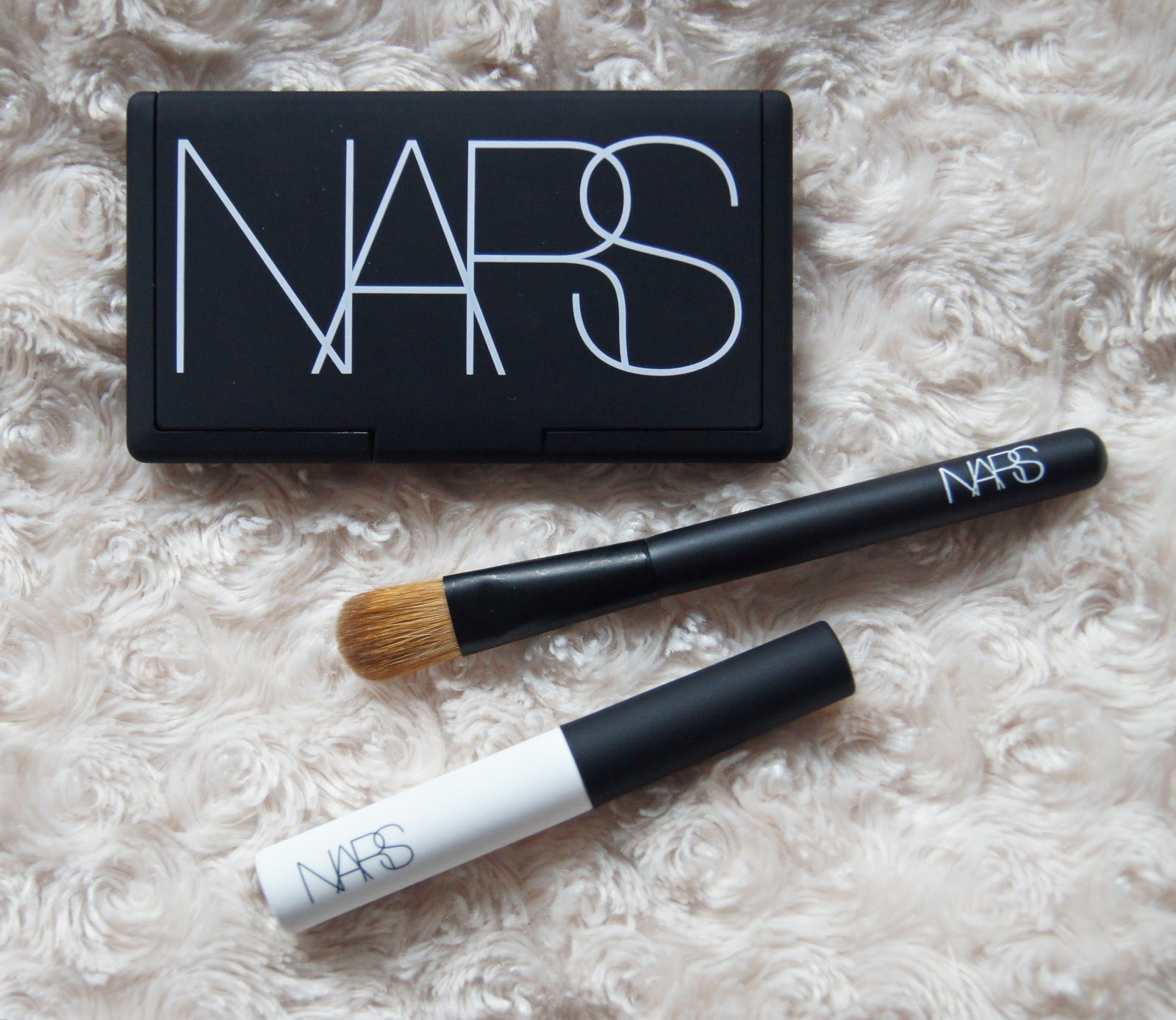 nars and god created the woman eyeshadow kit palette review