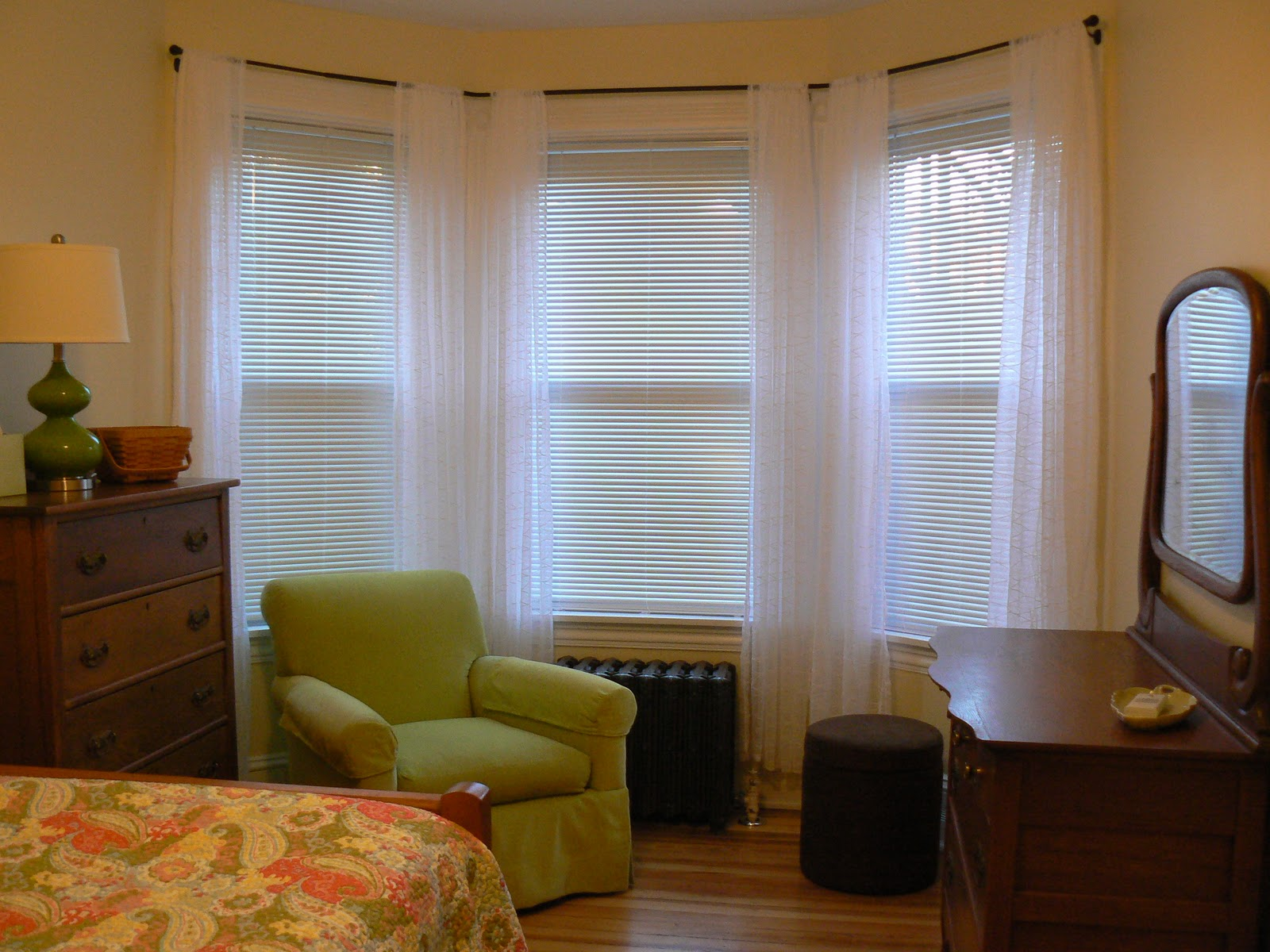 Caring for the house keys - Curtains for bay windows in living room ...