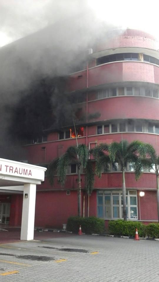 [Image: kebakaran%2Bdi%2Bwad%2BHospital%2BSultan...Bahru2.jpg]