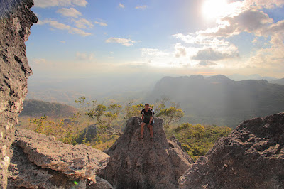 Berpose di atas gunung Fatuleu