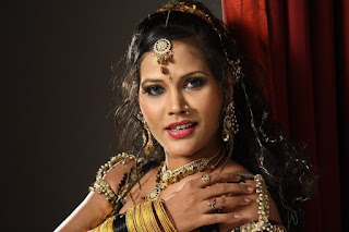 Seema Singh Taking salary of 1-1.5 Lakhs Per film and Item Song.