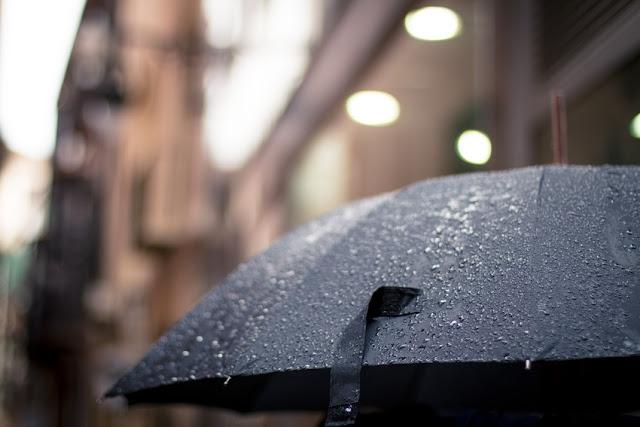 herbstregen, tropfen, graue wolken, herbstwetter, nebel, frühreif, frost, vom sommer träumen, wolken, grauer himmel, novemberregen, novemberwetter, texte schreiben, poesie blog, poetisch, jahreszeiten poesie, lyrik, natur, bild, foto