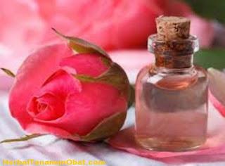 cara membuat menggunakan air mawar untuk wajah, gliserin dan air bunga mawar, manfaat gliserin dan air bunga mawar, manfaat air mawar untuk kulit, manfaat bunga mawar bagi kecantikan, manfaat gliserin, gliserin dan mawar