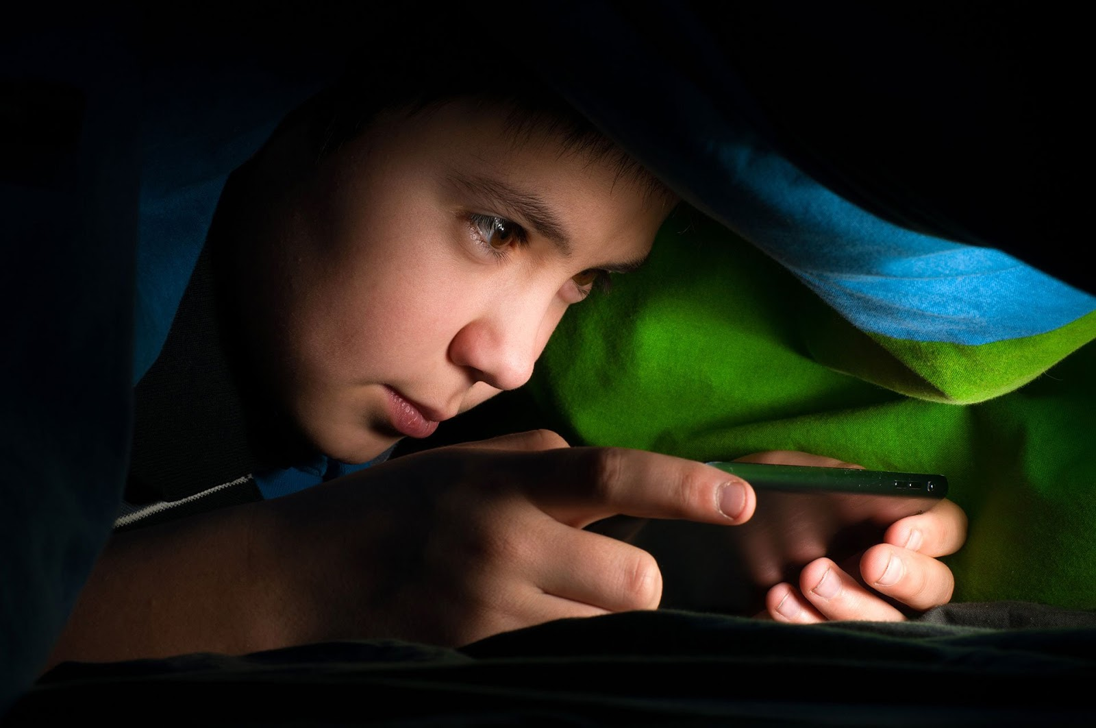 Kenapa Anak Muda Sering Tidur Sampai Jam 8 Pagi?