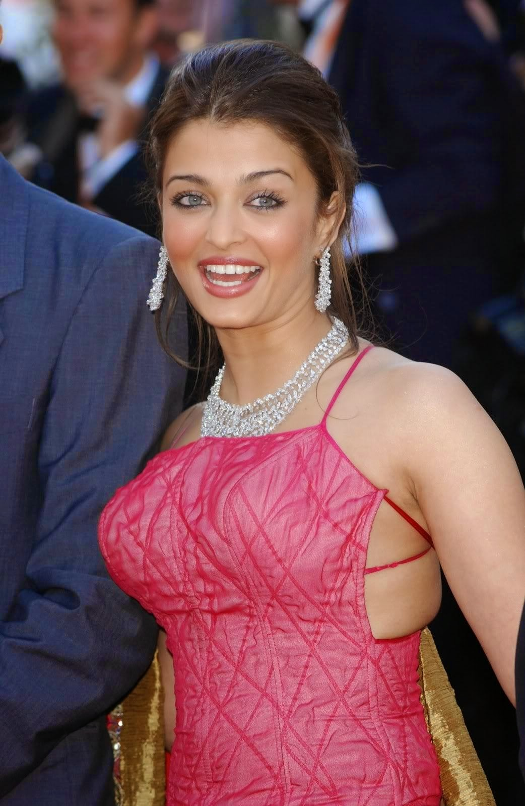 Aishwarya Rai hot Picture Gallery ~ Latest Bollywood News Updates, Movie Trailers, Videos, Songs ...