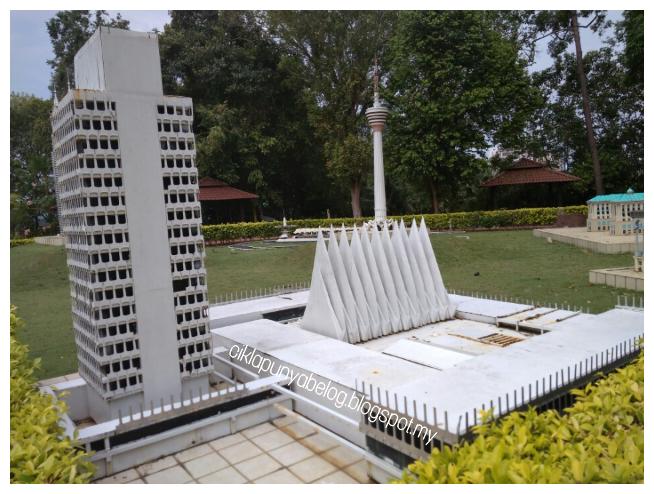 Uniknya Replika Bangunan Bersejarah Dan Simbolik Yang Menarik Di Taman Buaya Dan Reakresi Melaka Ciklapunyabelog Blogspot My