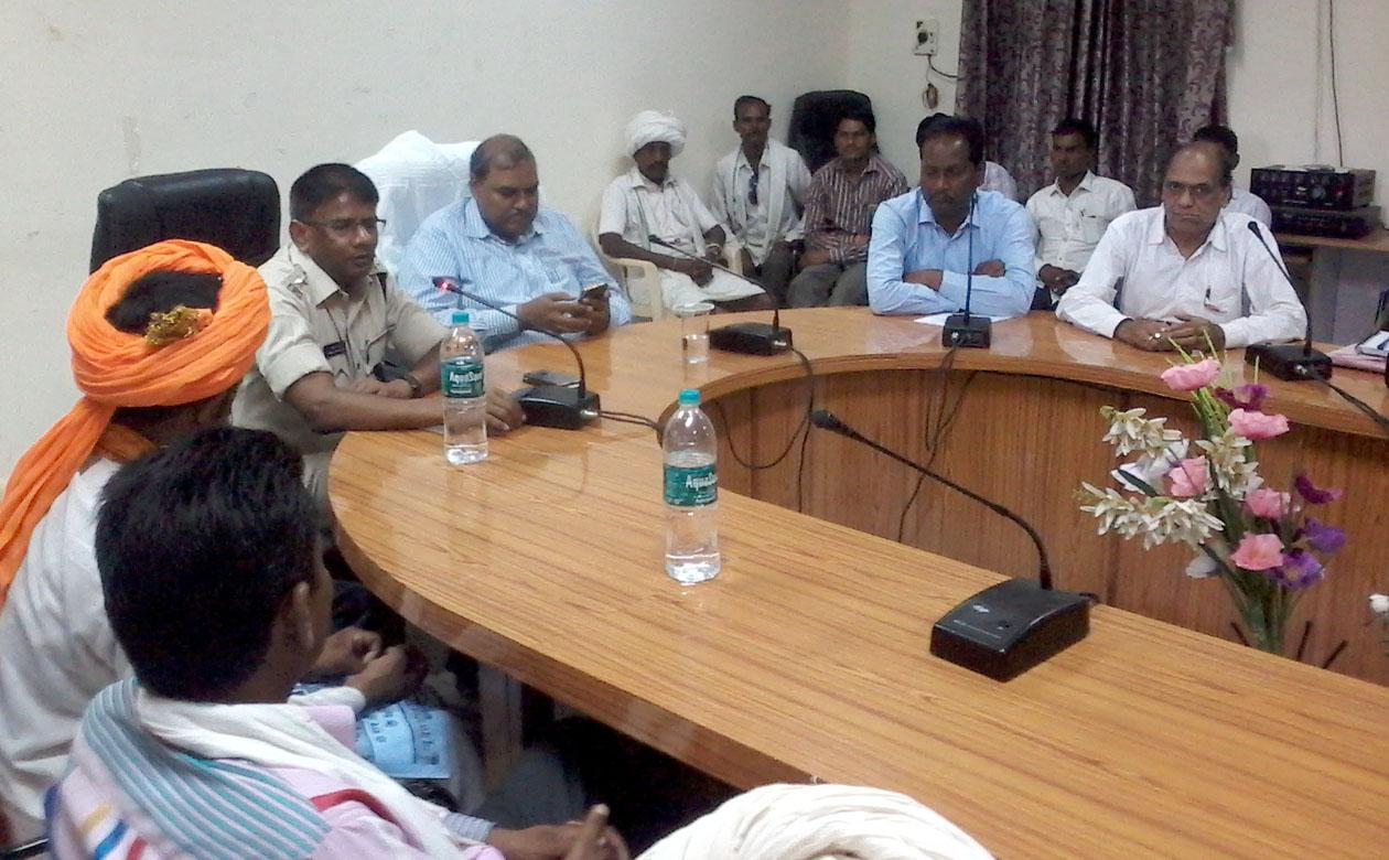 Do-not-marry-minor-girls-Superintendent-of-Police-Mahesh-Chandra-Jain-नाबालिग लड़कियों का विवाह ना करे - पुलिस अधीक्षक महेशचन्द्र जैन