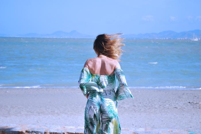 tropical-print-jumpsuit-espadrilles-round-bag