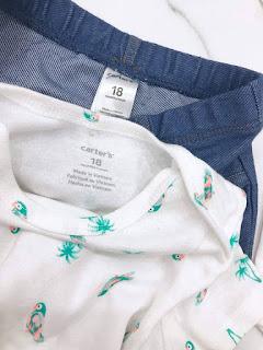Bộ body suit kèm quần giả jean hiệu Carters made in Cambodia.