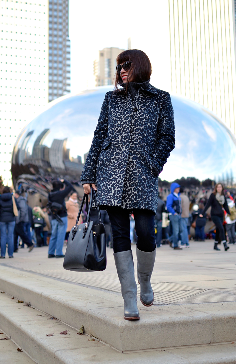 Outfit with long leopard coat