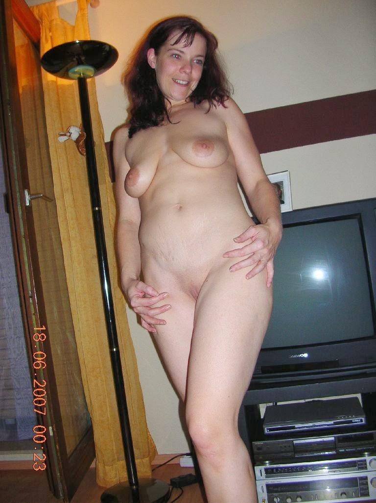 Marta gut naked