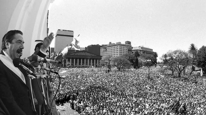 Un 10 de diciembre como hoy se inició la democracia con Alfonsín